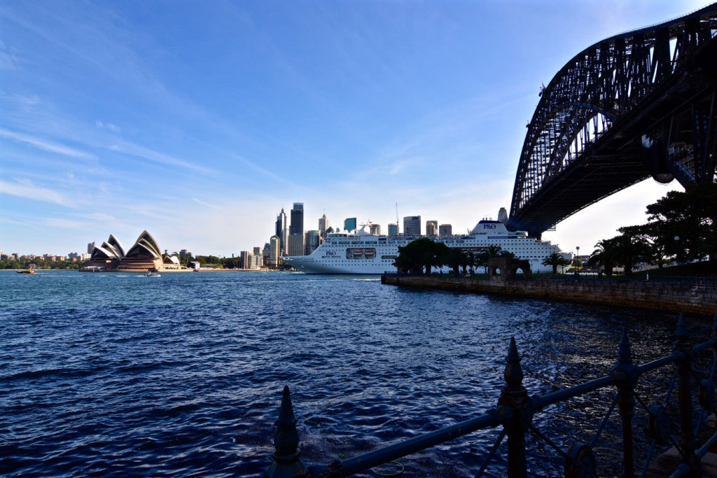 View at Harbour Bridge and Sydney Opera House