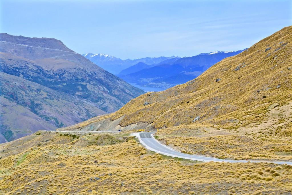 Mountain pass road