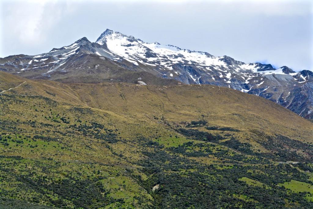 Mountain range next to Lake Pukaki
