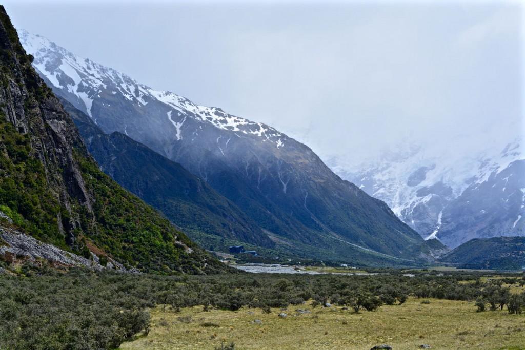Mountain range around Mount Cook Village