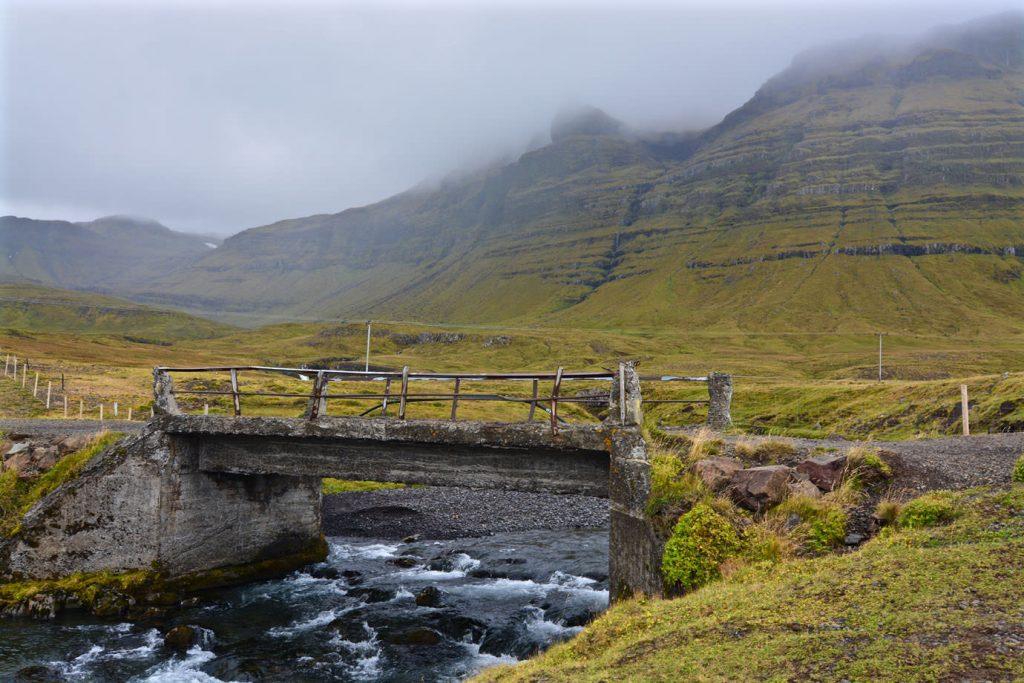 Kirkjufell bridge