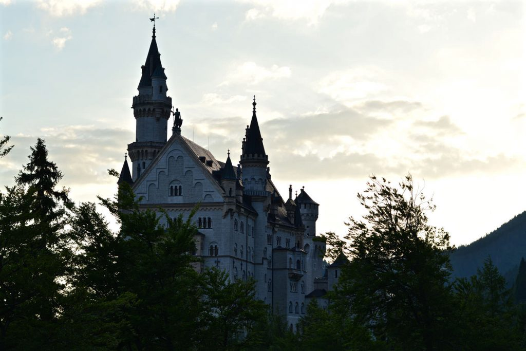 castle_neuschwanstein_close
